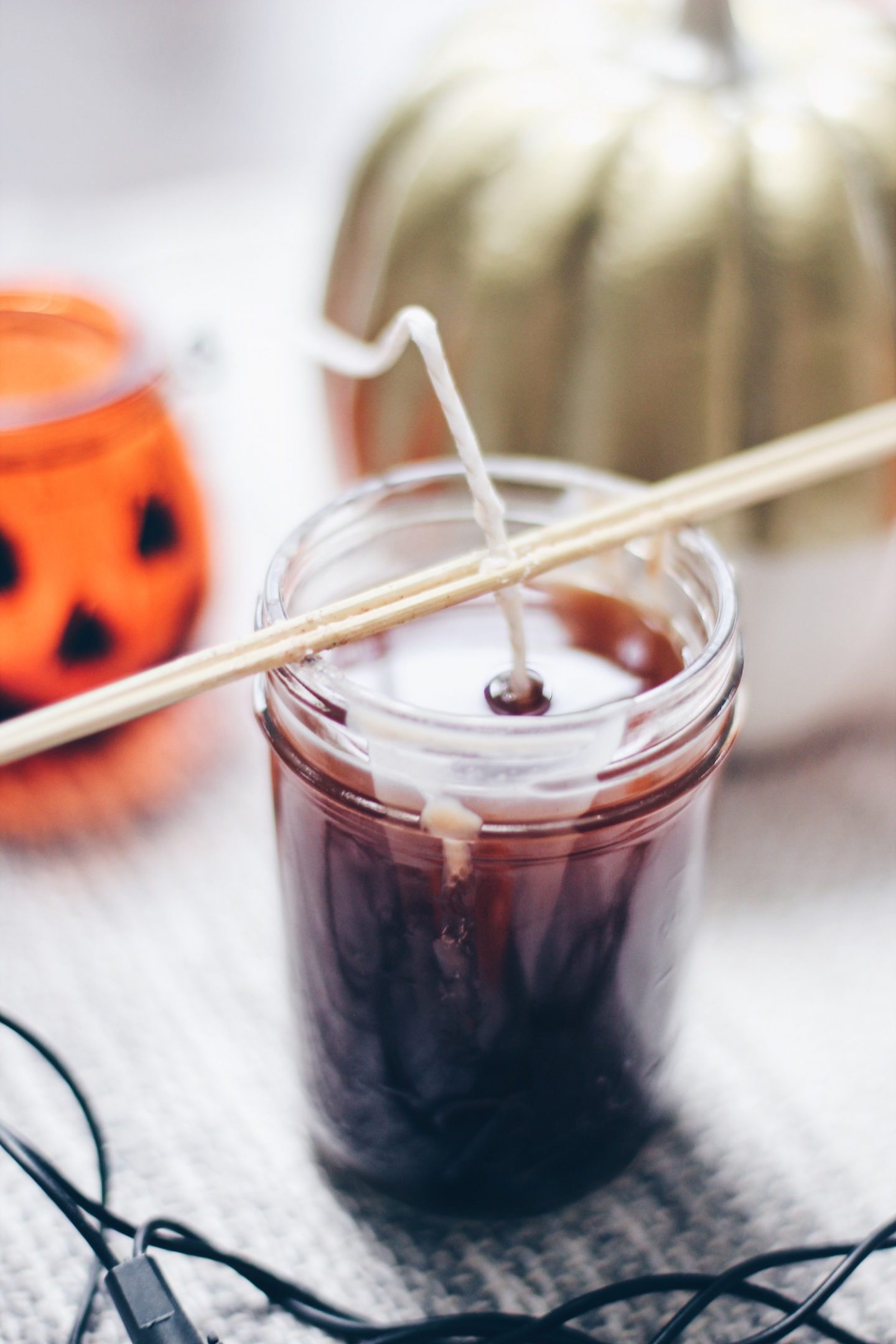 How to Make Easy DIY Pumpkin Spice Soy Candles